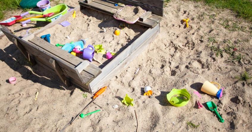 Sandkasten kaufen - Worauf muss man achten Beitragsbild